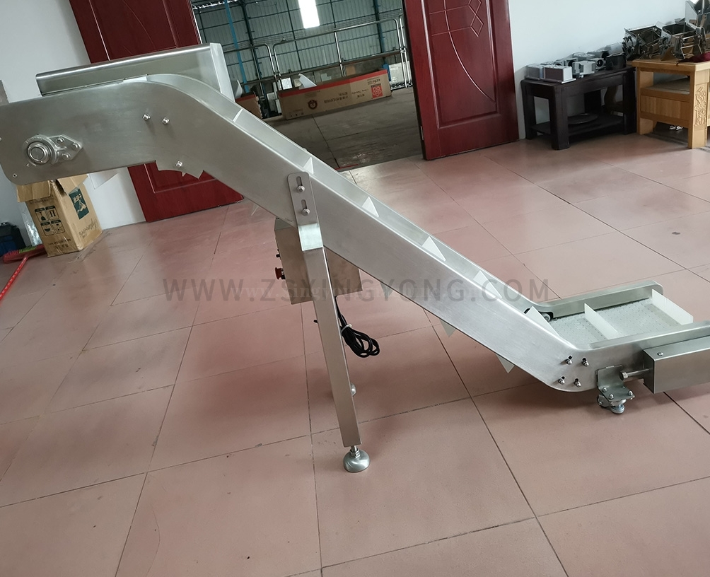Double bending chain plate finished product conveyor