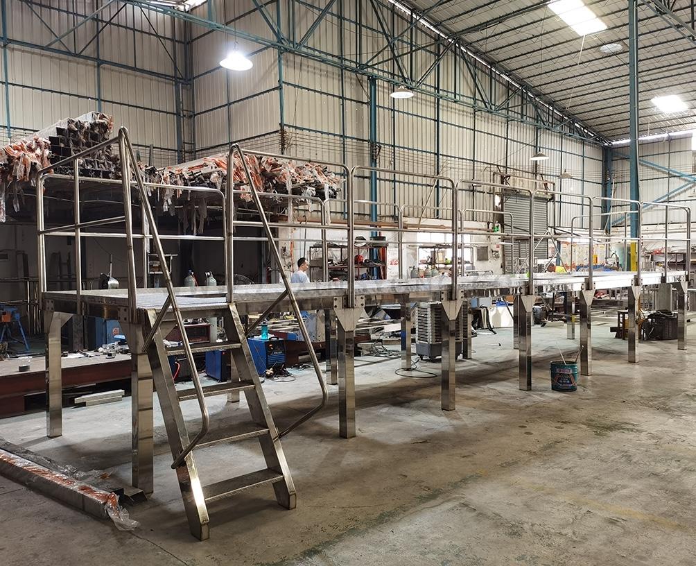 Carbon steel working platform
