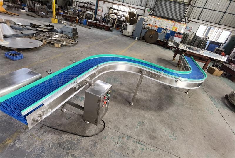 S-shaped chain conveyor